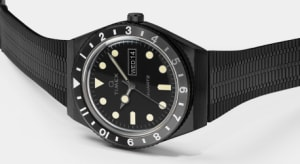 Q TIMEX Reissue Black Stainless Steel Bracelet with Black Dial