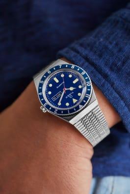 Montre Q Timex Reissue 38mm Bracelet en acier inoxydable, Stainless-Steel/Blue/Blue, large