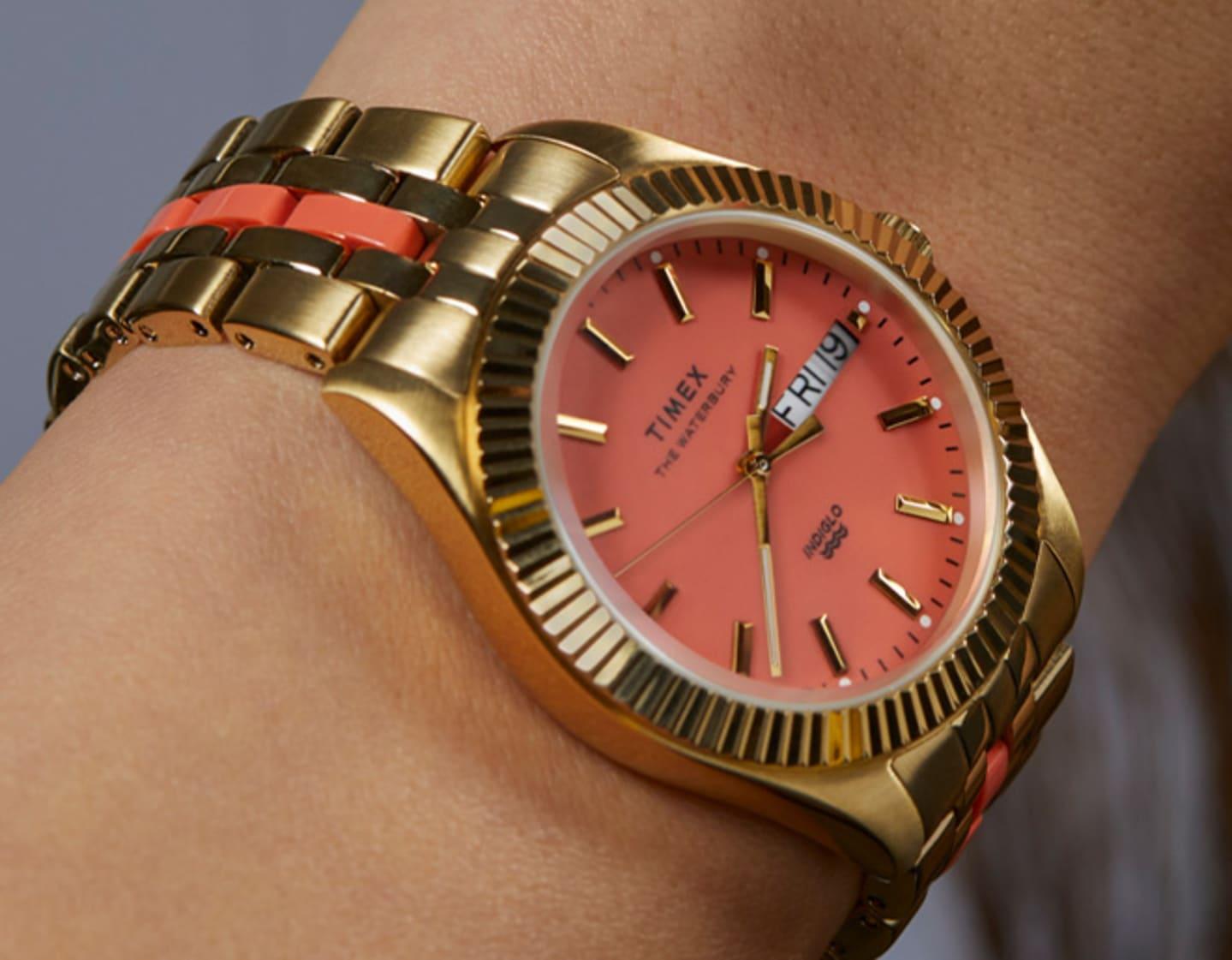 Frau mit Milano Uhr.