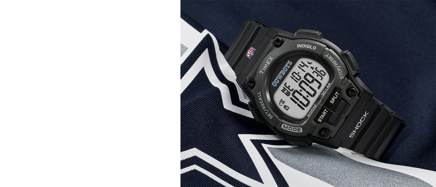 Packers NFL Dallas watch with black strap and logo in the center