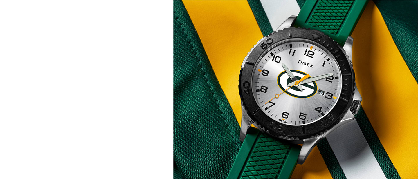 Packers NFL watch with green strap and logo in the center