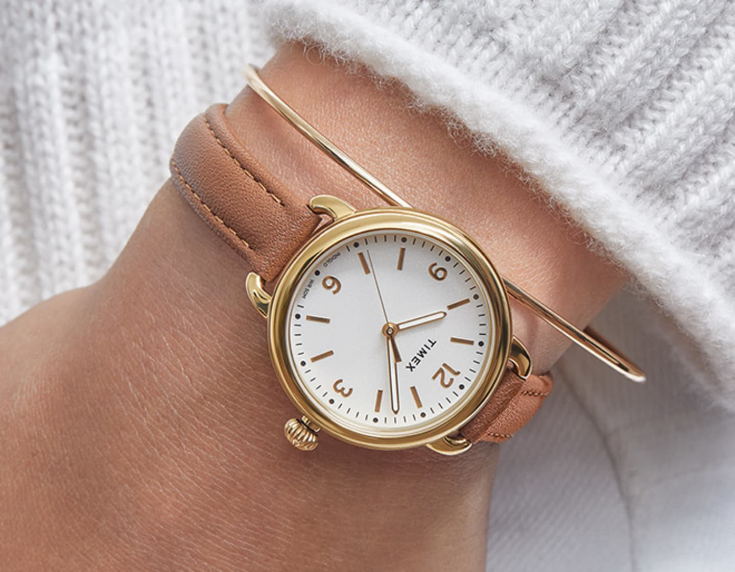 Womens Standard Brown Strap Watch.